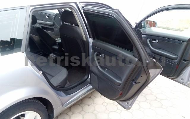 AUDI A4 2.5 V6 TDI személygépkocsi - 2496cm3 Diesel 44672 9/12