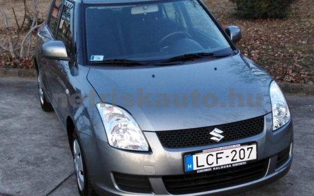 SUZUKI Swift 1.3 GLX CD AC személygépkocsi - 1328cm3 Benzin 27702 6/11