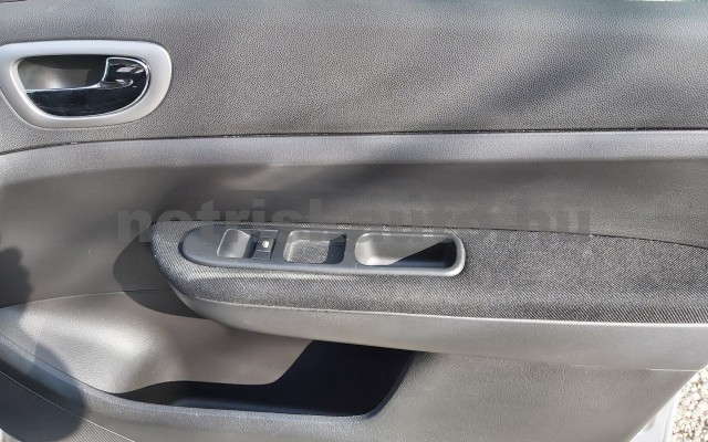 PEUGEOT 307 1.6 HDi Presence személygépkocsi - 1560cm3 Diesel 32780 7/12