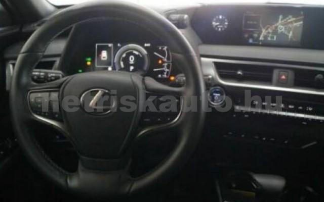 UX személygépkocsi - 1987cm3 Hybrid 105645 8/12