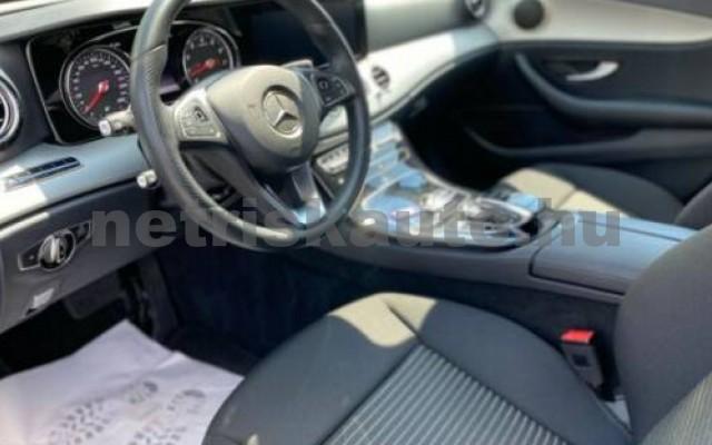 E 250 személygépkocsi - 1991cm3 Benzin 105874 11/12
