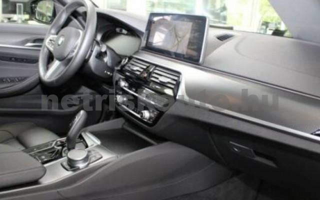 530 személygépkocsi - 2993cm3 Diesel 105138 10/12