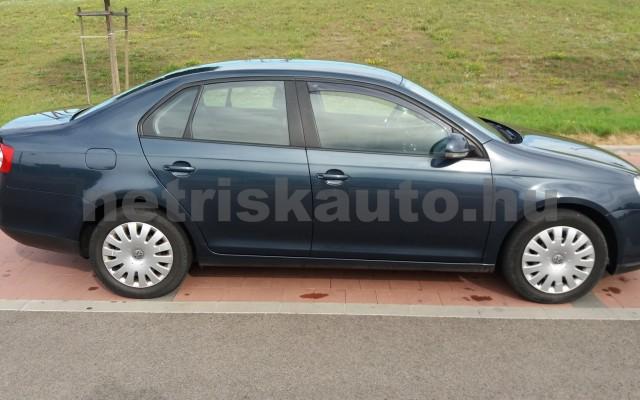VW Jetta 1.6 Trendline személygépkocsi - 1595cm3 Benzin 49975 4/8