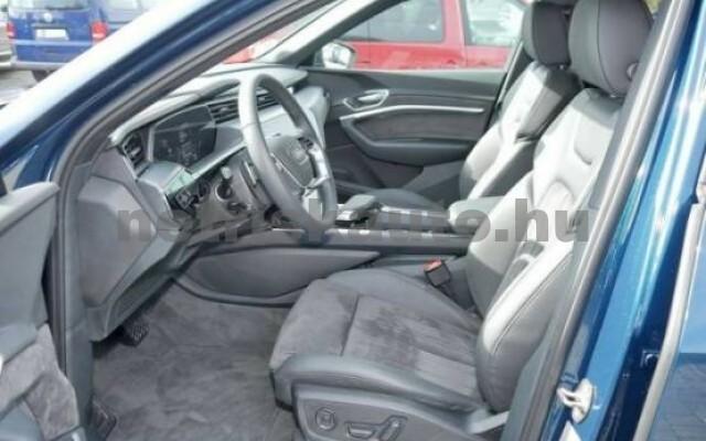 AUDI e-tron személygépkocsi - 2000cm3 Kizárólag elektromos 42570 4/7