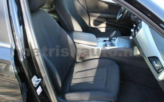 530 személygépkocsi - 1998cm3 Hybrid 105113 9/12
