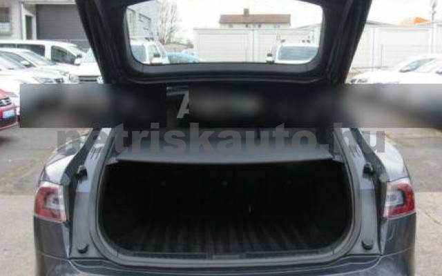 Model S személygépkocsi - cm3 Kizárólag elektromos 106220 7/12