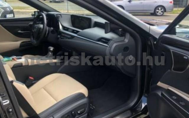 ES 300 személygépkocsi - 2487cm3 Hybrid 105615 5/12