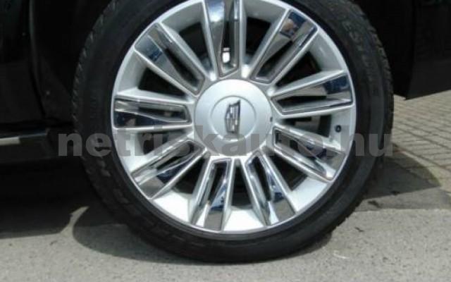 Escalade személygépkocsi - 6162cm3 Benzin 105429 12/12