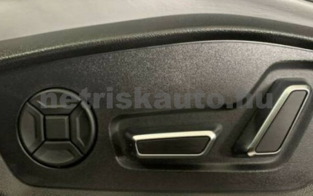 SQ8 személygépkocsi - 3996cm3 Benzin 104951 4/9