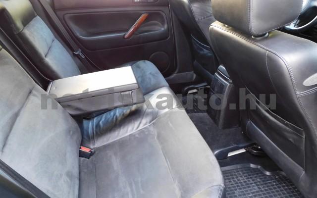 VW Passat 1.9 PD TDI Highline személygépkocsi - 1896cm3 Diesel 106511 10/12