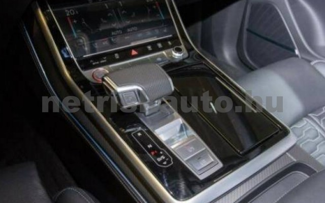 Q8 személygépkocsi - 3996cm3 Benzin 104789 12/12