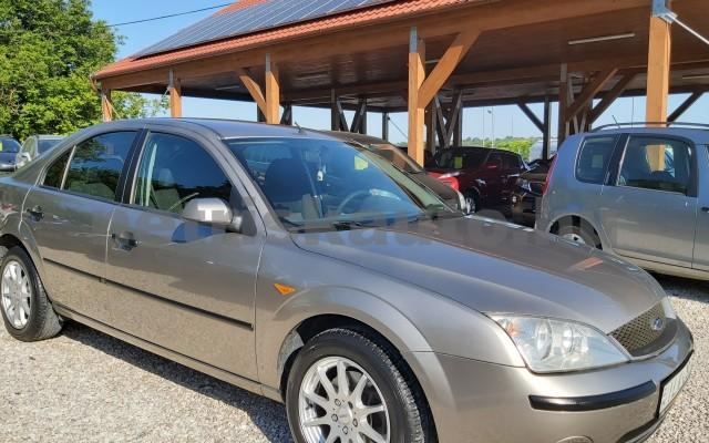 FORD Mondeo 1.8 Ambiente személygépkocsi - 1798cm3 Benzin 44871 7/12