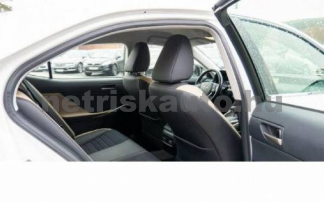 IS 300 személygépkocsi - 2494cm3 Hybrid 105609 3/7
