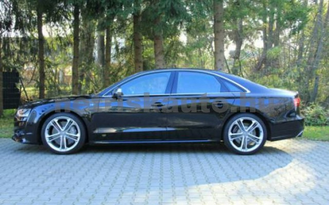 AUDI S8 személygépkocsi - 3993cm3 Benzin 42541 2/7