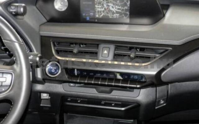 LEXUS UX személygépkocsi - 1987cm3 Hybrid 105643 6/11
