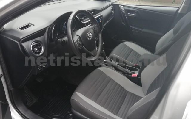 TOYOTA Auris 1.4 D-4D Live Plus személygépkocsi - 1364cm3 Diesel 89215 11/11