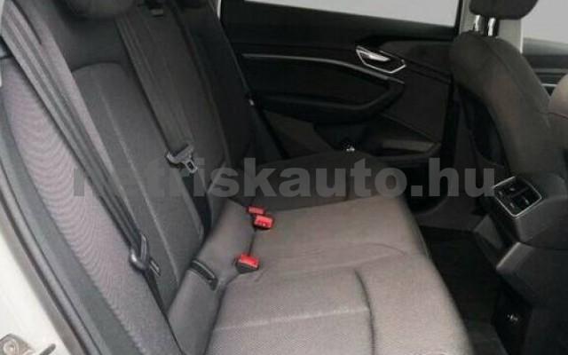 AUDI e-tron személygépkocsi - cm3 Kizárólag elektromos 104962 6/10