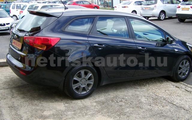 KIA Cee személygépkocsi - 1591cm3 Benzin 49997 4/12