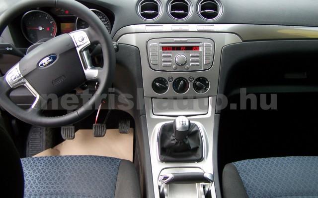 FORD S-Max 2.0 Trend személygépkocsi - 1999cm3 Benzin 93249 11/12