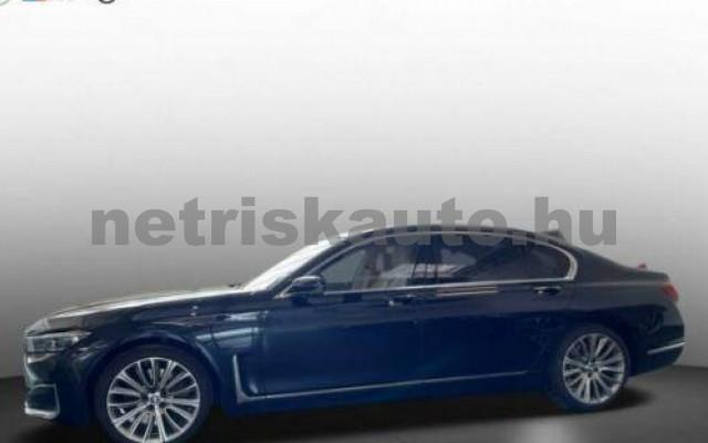 745 személygépkocsi - 2998cm3 Hybrid 105168 2/11