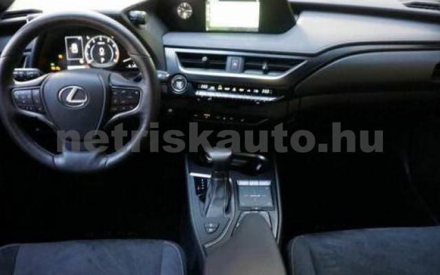 UX személygépkocsi - 1987cm3 Benzin 105639 7/12