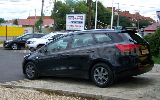 KIA Cee személygépkocsi - 1591cm3 Benzin 49997 3/12