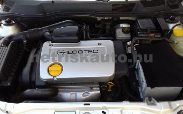 OPEL Astra 1.4 16V Club személygépkocsi - 1388cm3 Benzin 27430 7/10