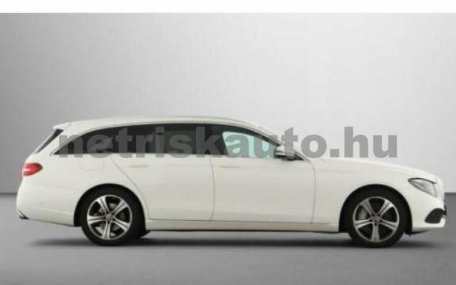 E 400 személygépkocsi - 2925cm3 Diesel 105871 5/12