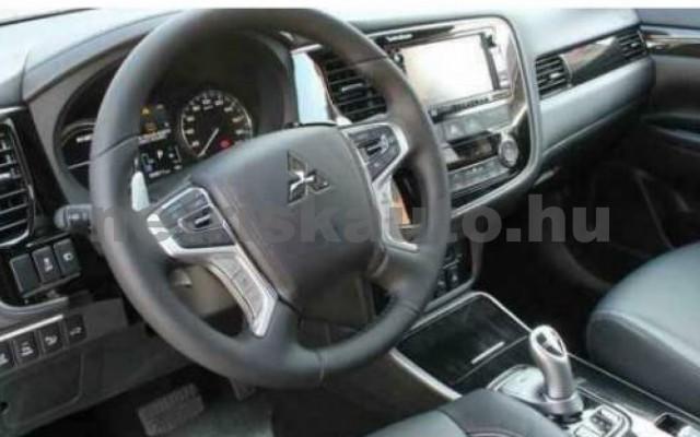 Outlander személygépkocsi - 1998cm3 Hybrid 105717 3/8
