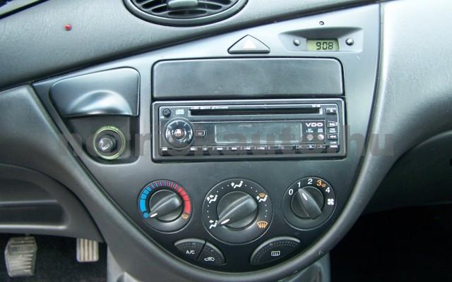 FORD Focus 1.4 Ambiente személygépkocsi - 1388cm3 Benzin 104522 11/11