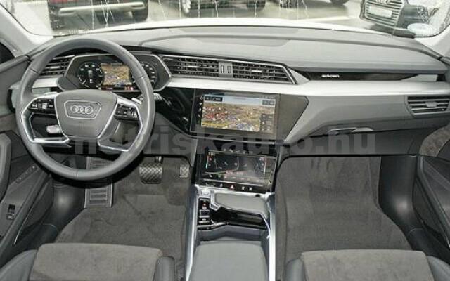 AUDI e-tron személygépkocsi - 2000cm3 Kizárólag elektromos 42579 6/7