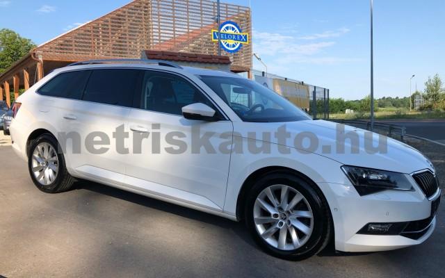 SKODA Superb 2.0 TDi Style személygépkocsi - 1968cm3 Diesel 47444 4/12