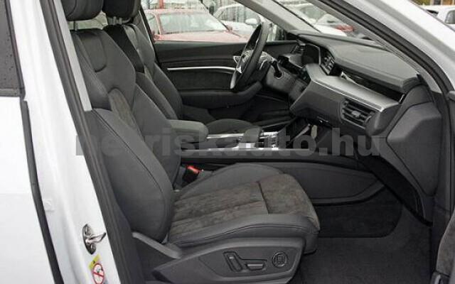AUDI e-tron személygépkocsi - 2000cm3 Kizárólag elektromos 42579 5/7