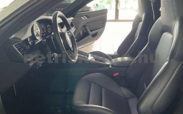 911 személygépkocsi - 2981cm3 Benzin 106238 10/12