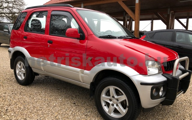 DAIHATSU Terios 1.3 Top személygépkocsi - 1298cm3 Benzin 74367 9/12