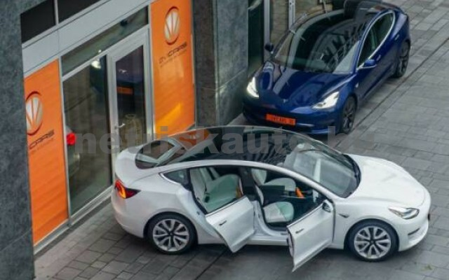 TESLA Model 3 személygépkocsi - 2000cm3 Kizárólag elektromos 39930 2/7