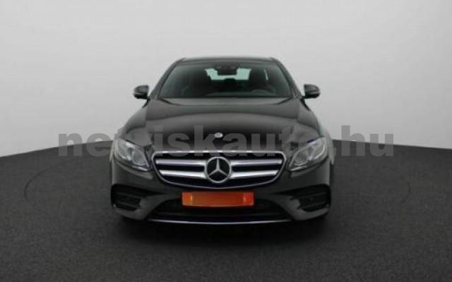 E 250 személygépkocsi - 1991cm3 Benzin 105834 2/8