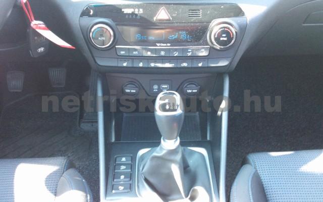 HYUNDAI Tucson 1.7 CRDi Premium személygépkocsi - 1685cm3 Diesel 102532 6/9