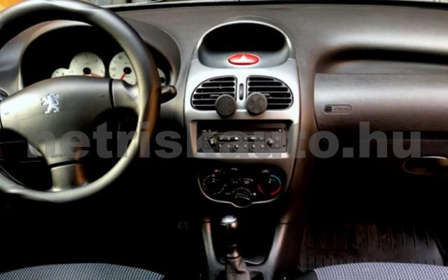 PEUGEOT 206 1.4 HDi Presence személygépkocsi - 1398cm3 Diesel 104548 5/12