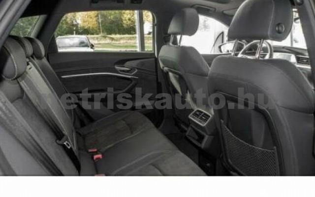 e-tron személygépkocsi - cm3 Kizárólag elektromos 104957 5/10