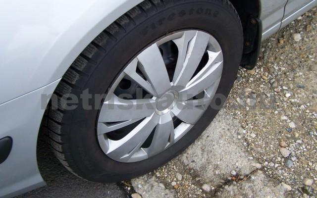HYUNDAI Elantra 2.0 CRDi GLS Style személygépkocsi - 1991cm3 Diesel 44746 5/12