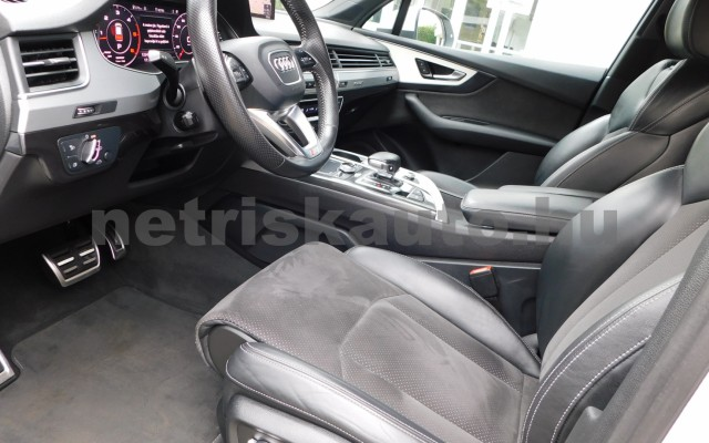 AUDI Q7 3.0 V6 TDI quattro tiptronic személygépkocsi - 2967cm3 Diesel 44854 6/12