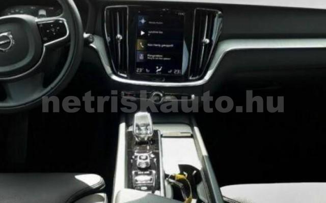 V60 személygépkocsi - 1969cm3 Hybrid 106402 7/10