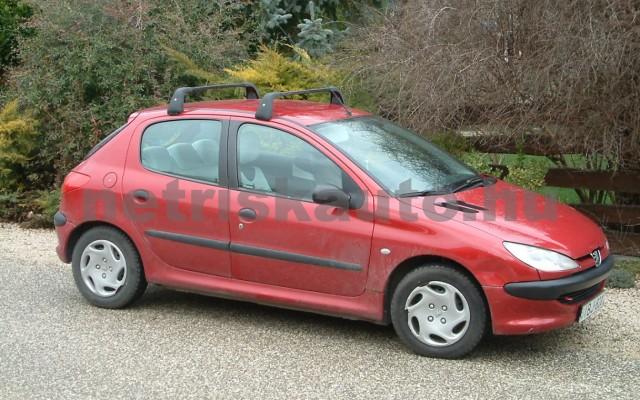 PEUGEOT 206 személygépkocsi - 1124cm3 Benzin 44642 2/2
