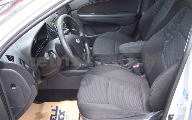 HYUNDAI i30 1.6 CRDi LP Comfort személygépkocsi - 1582cm3 Diesel 93252 7/12